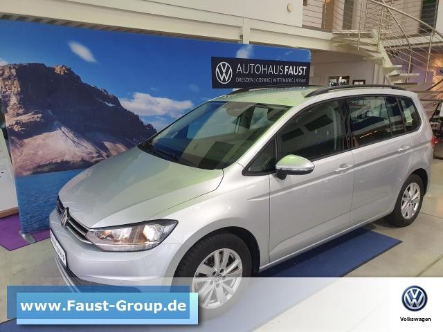 Volkswagen Touran Comfortline DSG Navi AHK ACC 7-Sitzer, Jahr 2020, Benzin