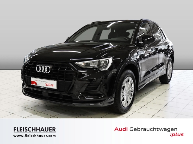 Audi Q3 35 TFSI advanced Navi+LED+Kamera+VC+18''+connect+PDC+sound, Jahr 2020, Benzin
