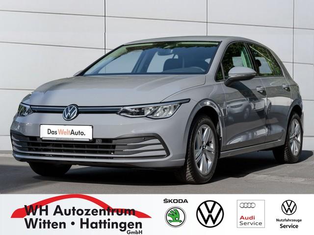 Volkswagen Golf VIII 1,0 l TSI LIFE STANDHZG NAVI-PRO PDC LED SITZHZG, Jahr 2020, Benzin