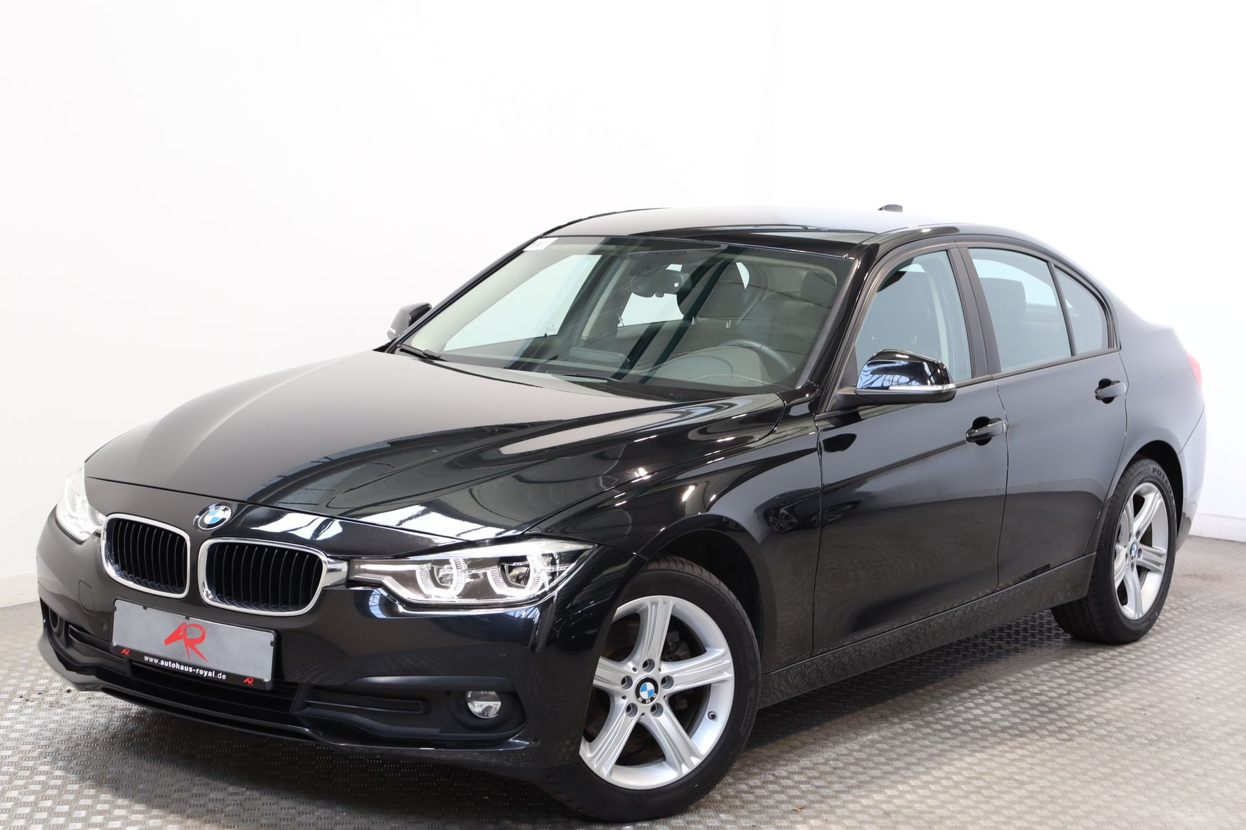 BMW 320 d xDrive ADVANTAGE SPORTLENKRAD,LED,NAVI,1HD, Jahr 2017, Diesel