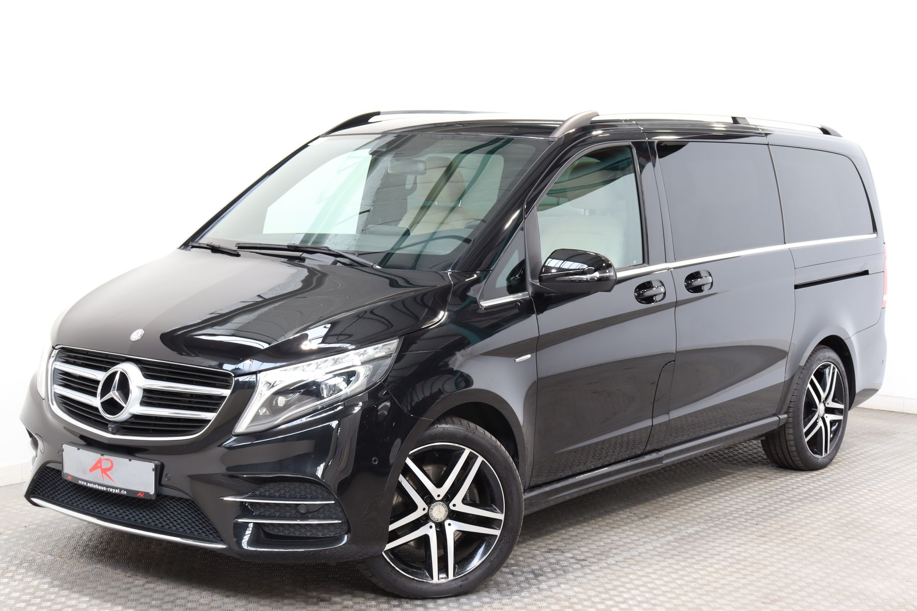 Mercedes-Benz V 250 d 4M LANG 7 SITZE AMG LINE 360GRAD,COMAND, Jahr 2016, Diesel