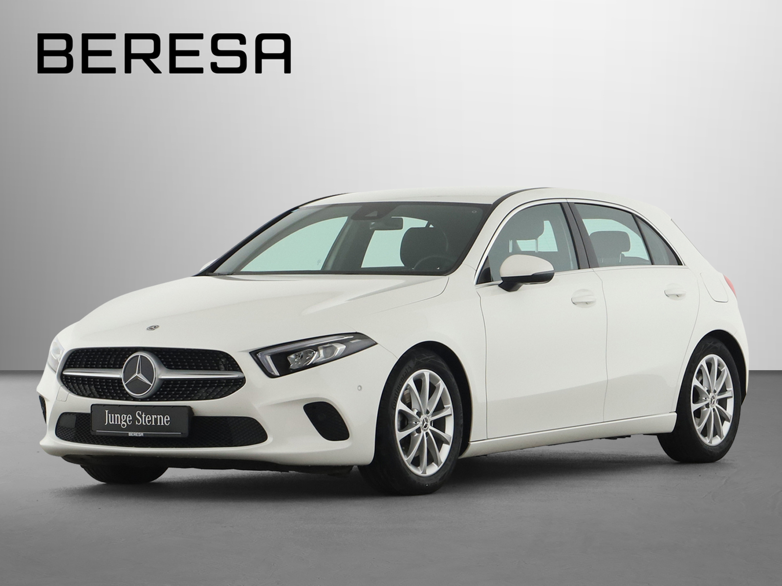 Mercedes-Benz A 200, Jahr 2020, Benzin