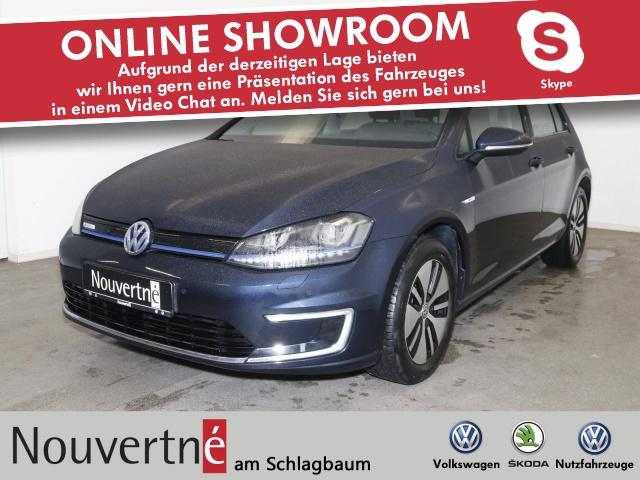 Volkswagen Golf VII e-Golf + Navi + Tempomat + LED +, Jahr 2017, Elektro