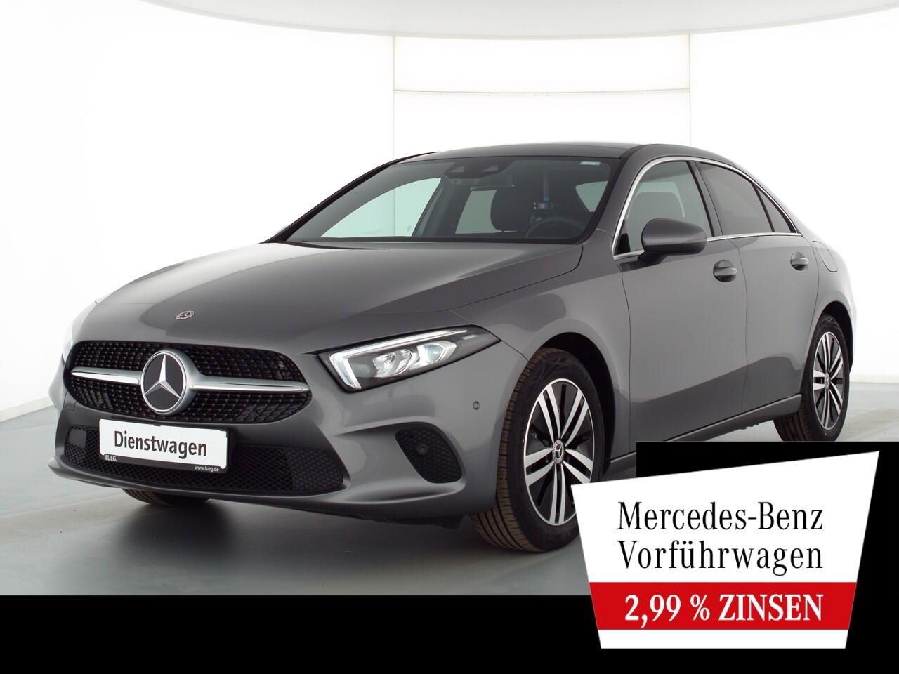 Mercedes-Benz A 180 Lim PROGRESSIVE+PANO+AHK+TOTW+KAMERA+LED, Jahr 2021, Benzin