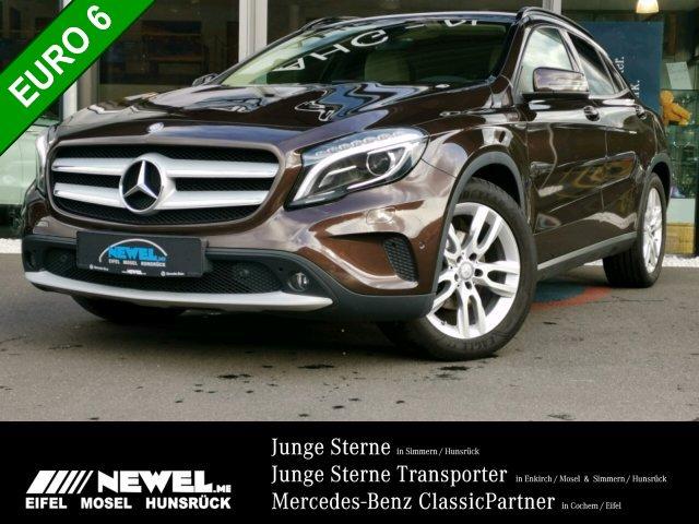 Mercedes-Benz GLA 200 CDI *NAVI*XENON*LED*AHK*TEMPOMAT*KAMERA*, Jahr 2014, Diesel