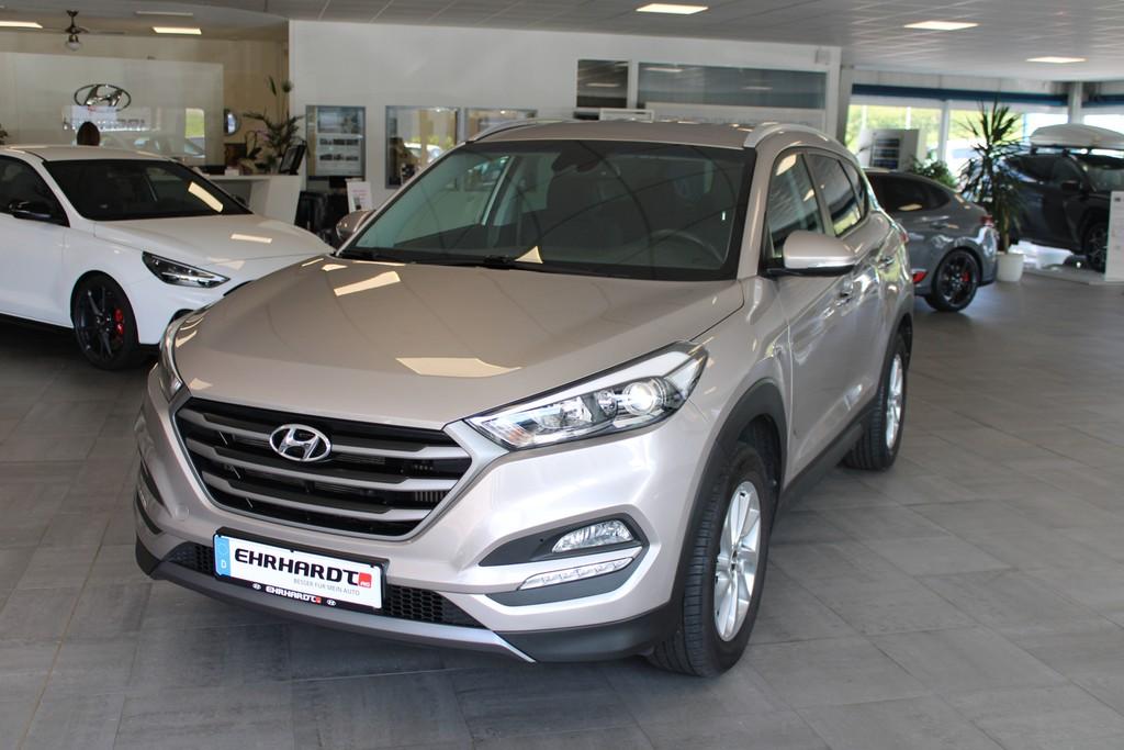 Hyundai Tucson 1.6 T-GDI INTRO EDITION Navi*Klimaaut*Shz*PDC, Jahr 2016, Benzin