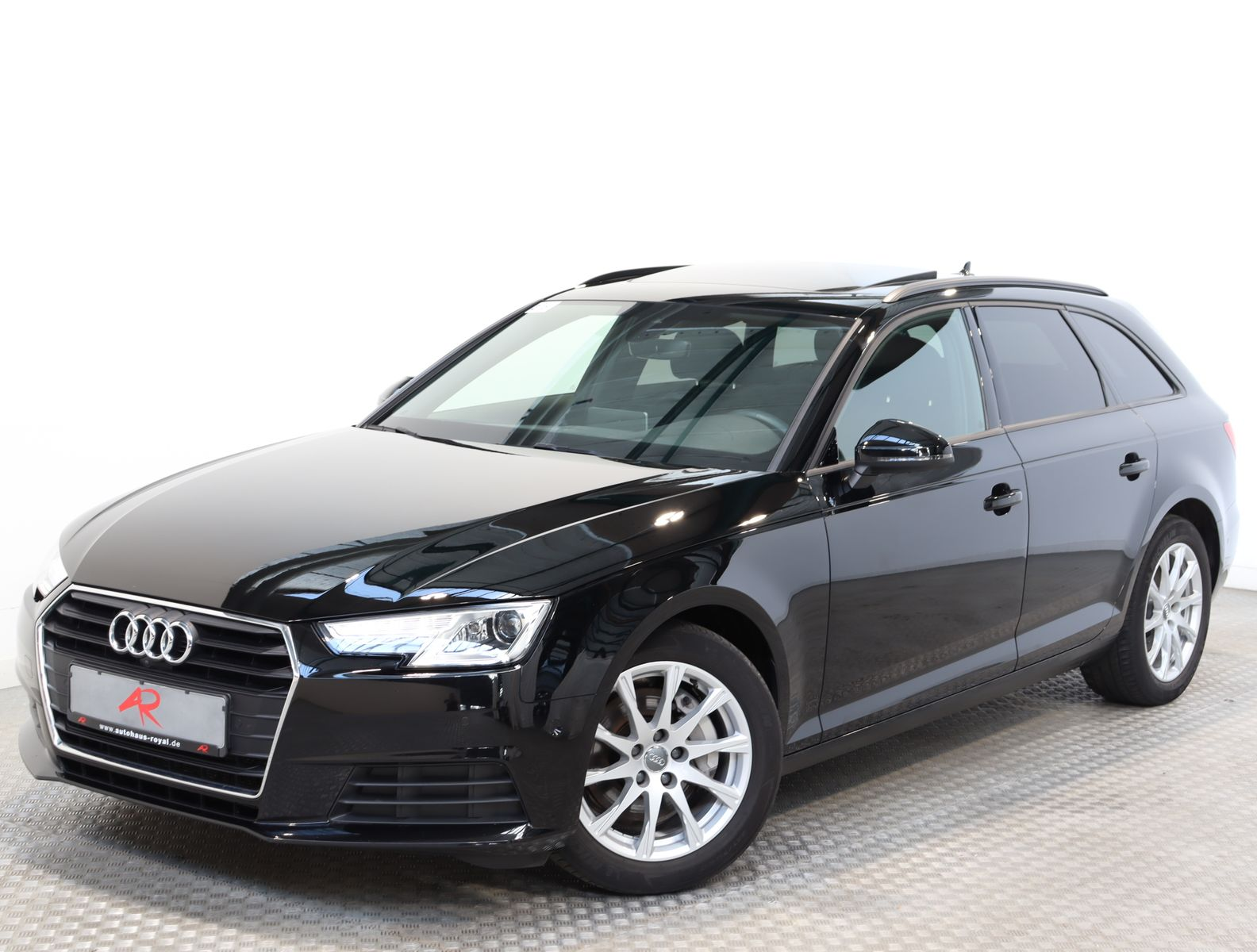 Audi A4 Avant 2.0 TDI VIRTUAL,360GRAD,PANO,STANDHEIZ., Jahr 2018, Diesel