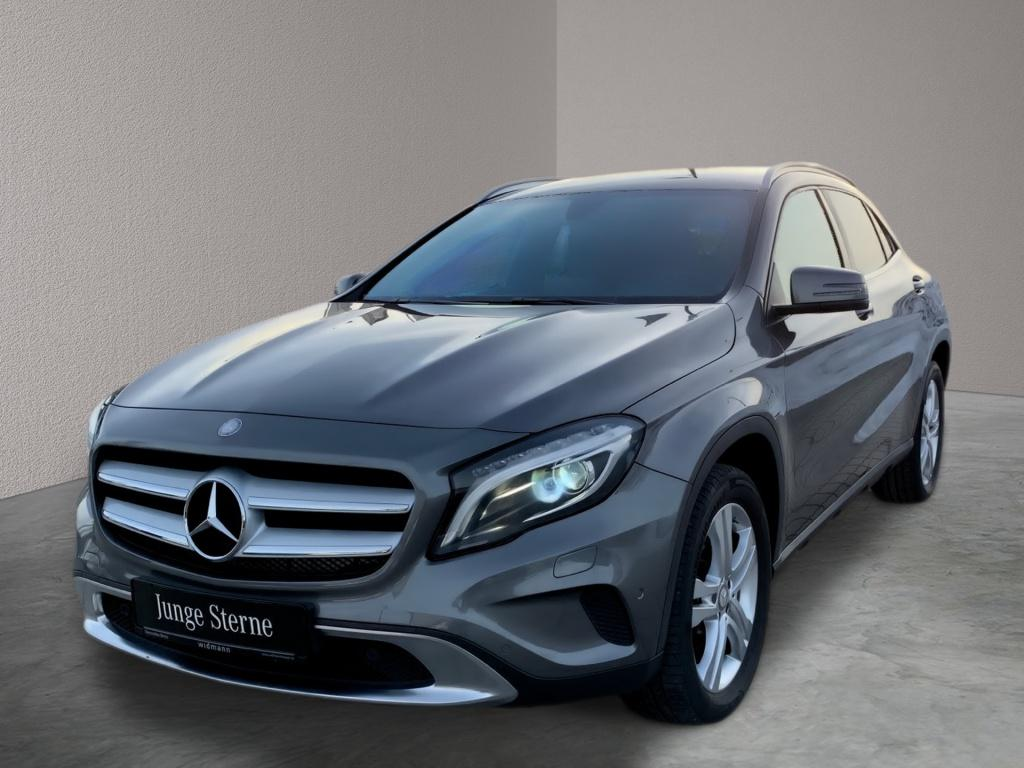 Mercedes-Benz GLA 180 SCORE! *Urban*Navi*Kamera*Sitzhzg*Xenon*, Jahr 2016, Benzin