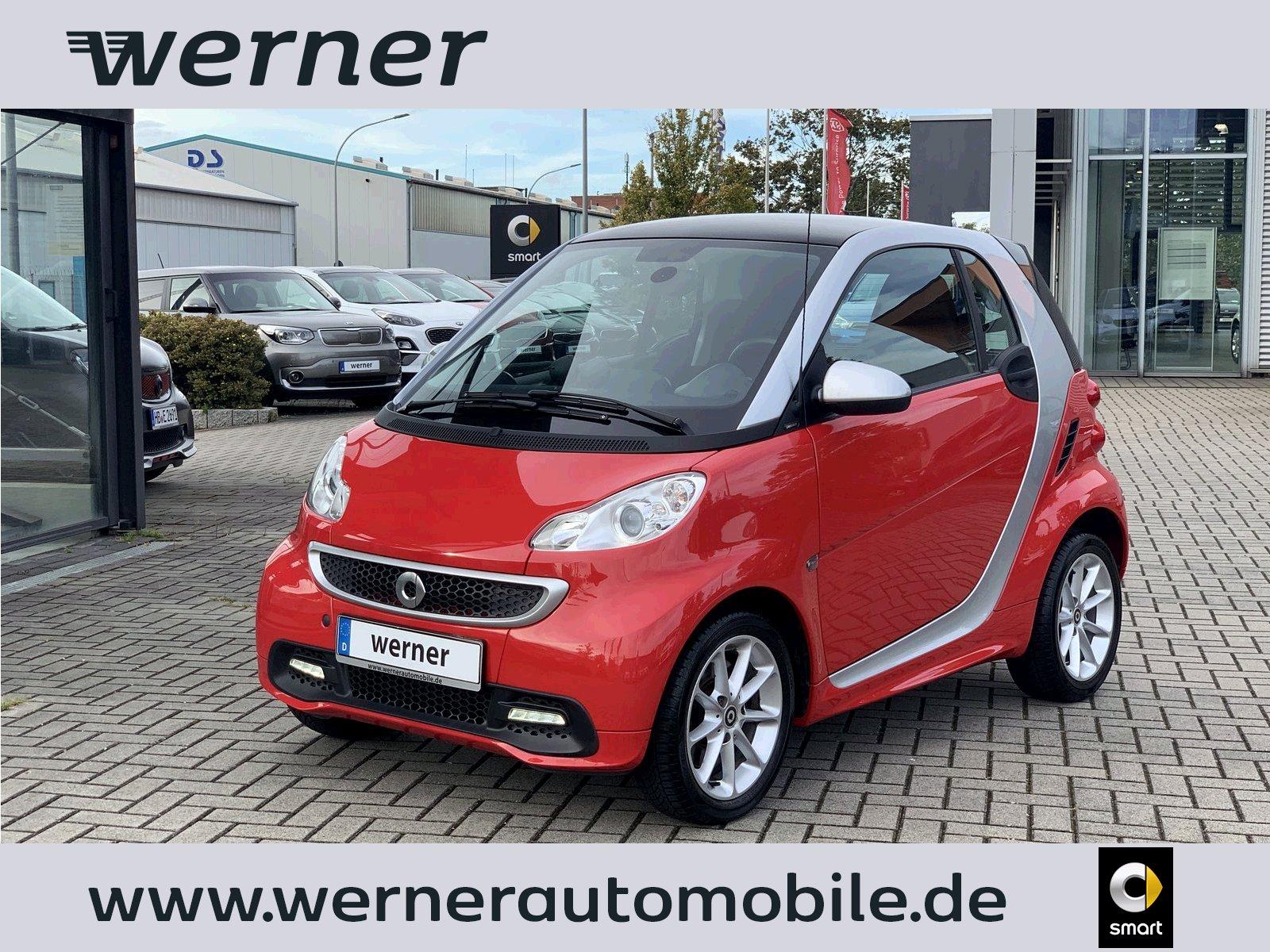 smart fortwo coupe 62 kw passion Pano Klima Sound, Jahr 2013, Benzin