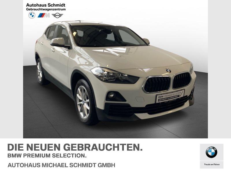 BMW X2 sDrive18i LORDOSE+NAVI+SITZHEIZUNG+TEMPOMAT+, Jahr 2018, Benzin