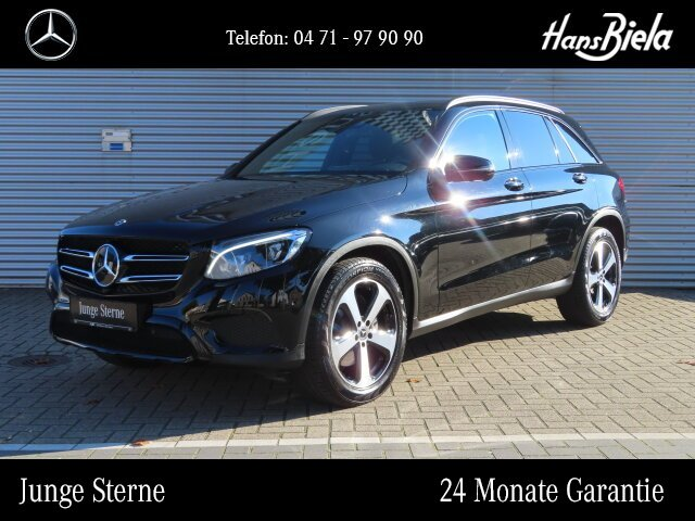 Mercedes-Benz GLC 300 4M AMG/Pano/Distr/Com/Multib/AHK/360/HUD, Jahr 2017, Benzin