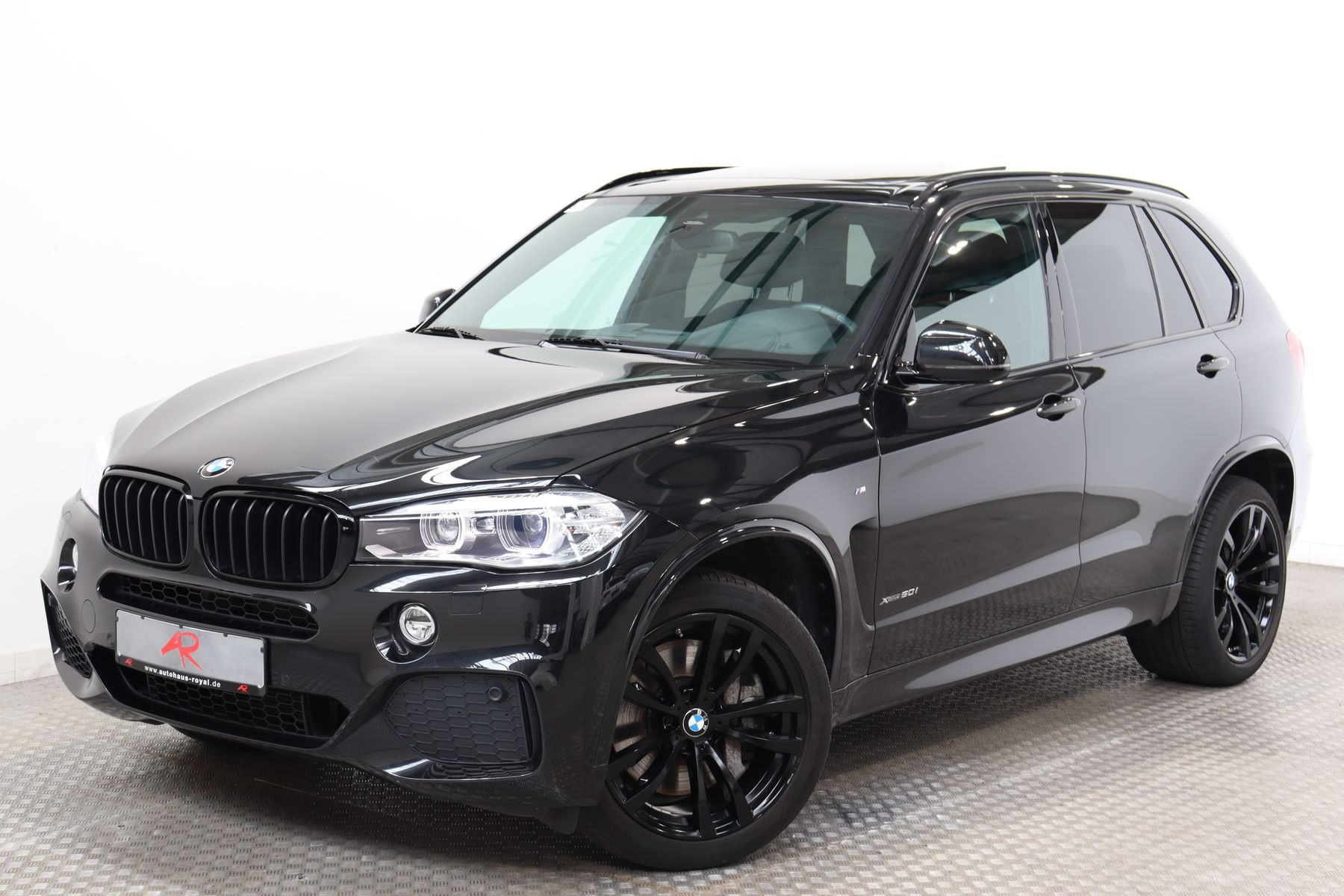 BMW X5 xDrive50i M SPORT BANG+O HIGH END,SOFTCLOSE, Jahr 2014, Benzin