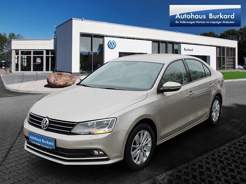 Volkswagen Jetta BMT, Navi, Parkpilot, LightAssist, Sitzheizung, Jahr 2015, Benzin