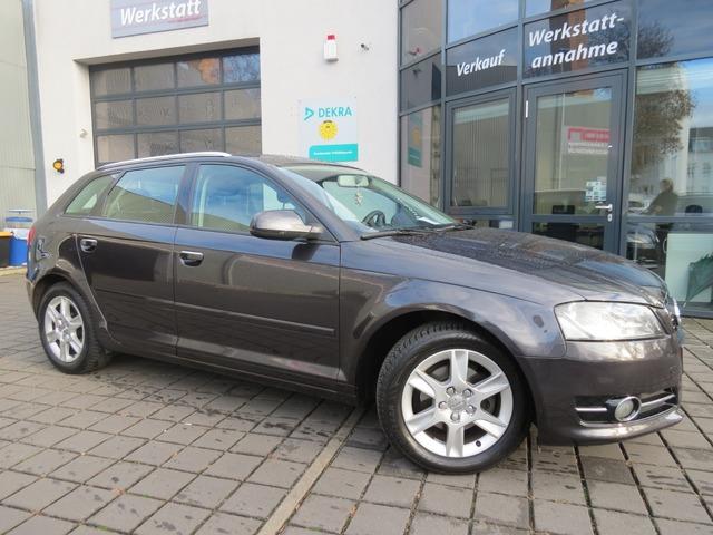 Audi A3 Sportback 1.2 TFSI Attraction Klimaut/Pdc, Jahr 2012, petrol