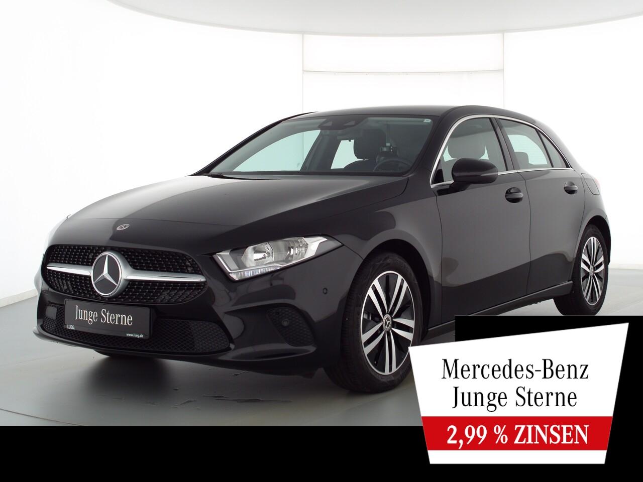 Mercedes-Benz A 180 Progressive+MBUXHighEnd+SHZ+AParkAssistent, Jahr 2020, Benzin