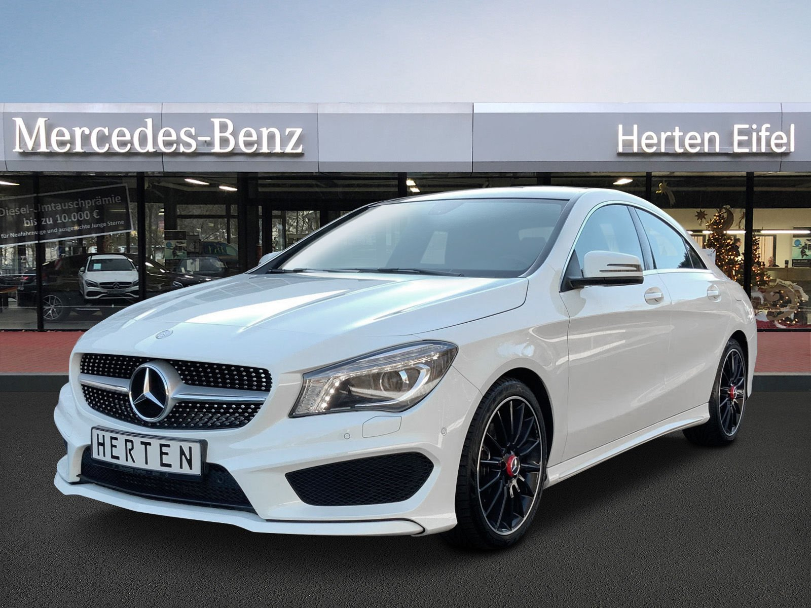 Mercedes-Benz CLA 180 AMG-LINE+PANO+BI-XENON+BECKER AMP+18, Jahr 2014, Benzin