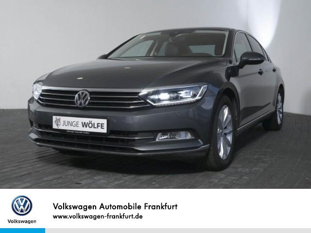 Volkswagen Passat 2.0 TDI DSG Highline AHK Navi FrontAssist RearView PASSAT Lim. HLBMT 110 TDID6F, Jahr 2016, Diesel