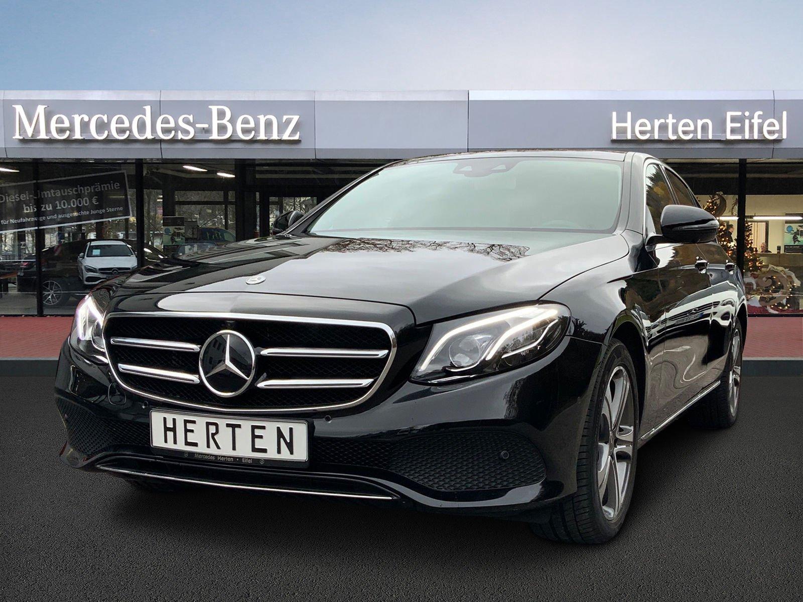Mercedes-Benz E 450 4M COMAND+MULTIBEAM+WIDESCREEN+PANO+360, Jahr 2019, Benzin