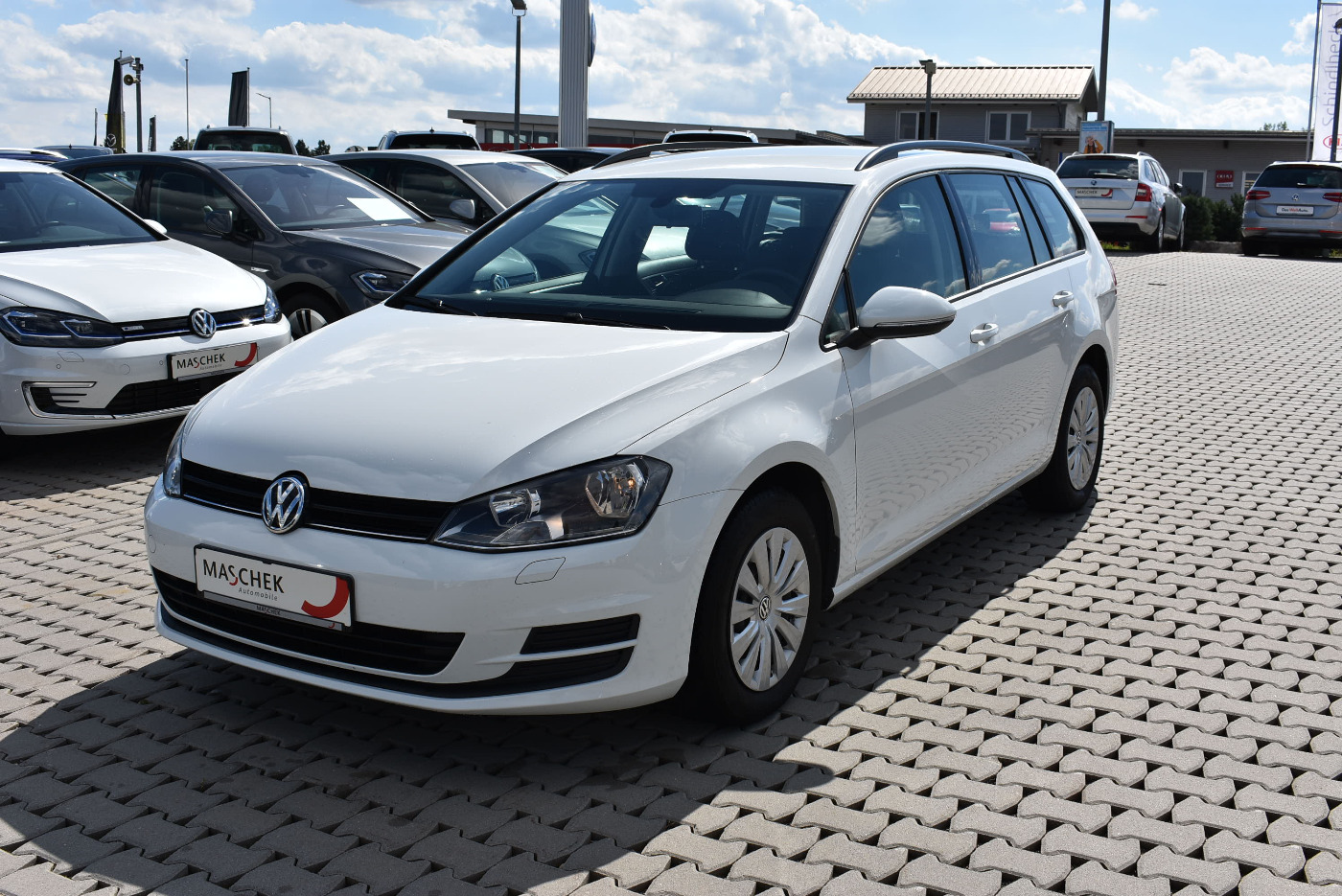 Volkswagen Golf Variant Trendline 1.6 TDI Navi Klima Winter, Jahr 2015, Diesel