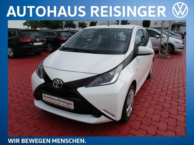 Toyota Aygo 1.0 x-play Klima Klima Fenster el., Jahr 2014, Benzin