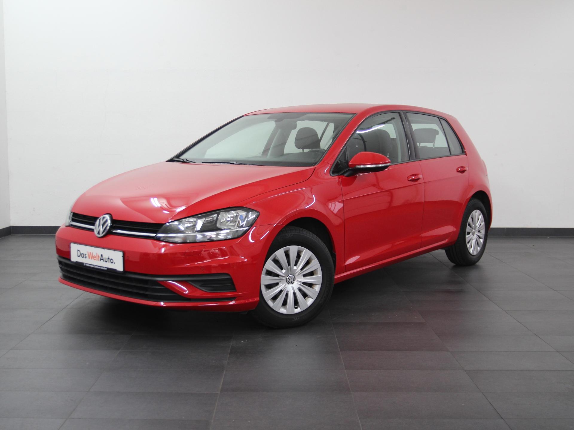 Volkswagen Golf VII Trendline DSG NAVI SHZ PDC ab 2,99%, Jahr 2017, Benzin