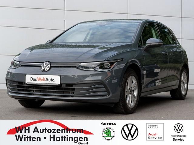 Volkswagen Golf VIII 1,0 l TSI Life Navi Pro, IQ.Light Matrix-LED,, Jahr 2020, Benzin