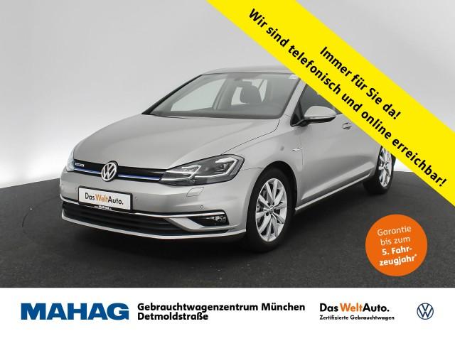 Volkswagen Golf VII 1.5 TSI Highline Navi LED Sitzhz. ParkPilot LightAssist FrontAssist 17Zoll 6-Gang, Jahr 2019, Benzin