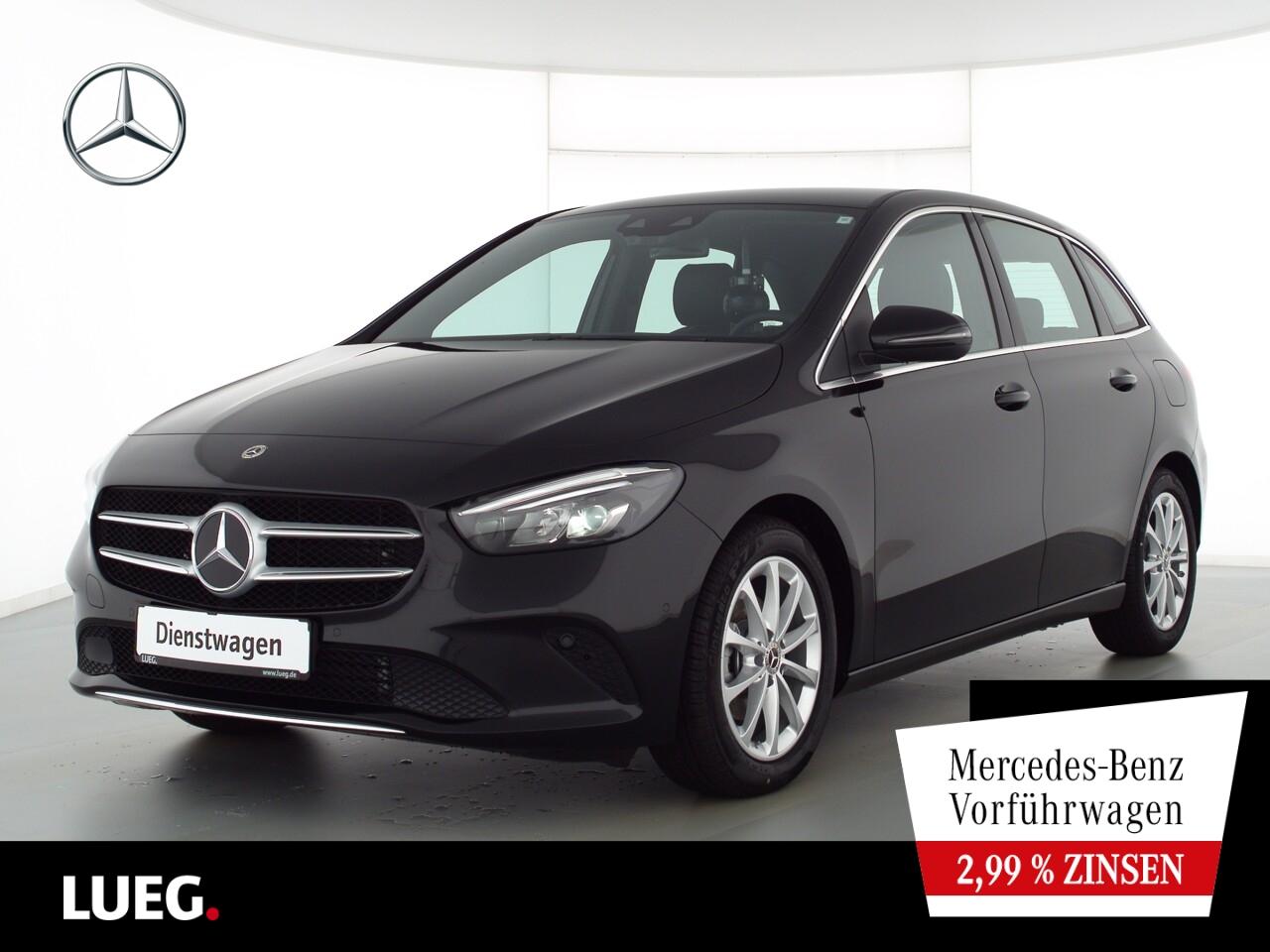 Mercedes-Benz B 180 PROGRESSIVE+17''+MBUX-HIGH+AHK+LED+PTS+SHZ, Jahr 2021, Benzin