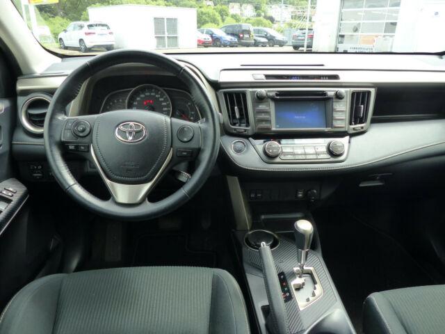 Toyota RAV 4 2.2D-4D 4x4 AT *2 Jahre Garantie*, Jahr 2015, Diesel