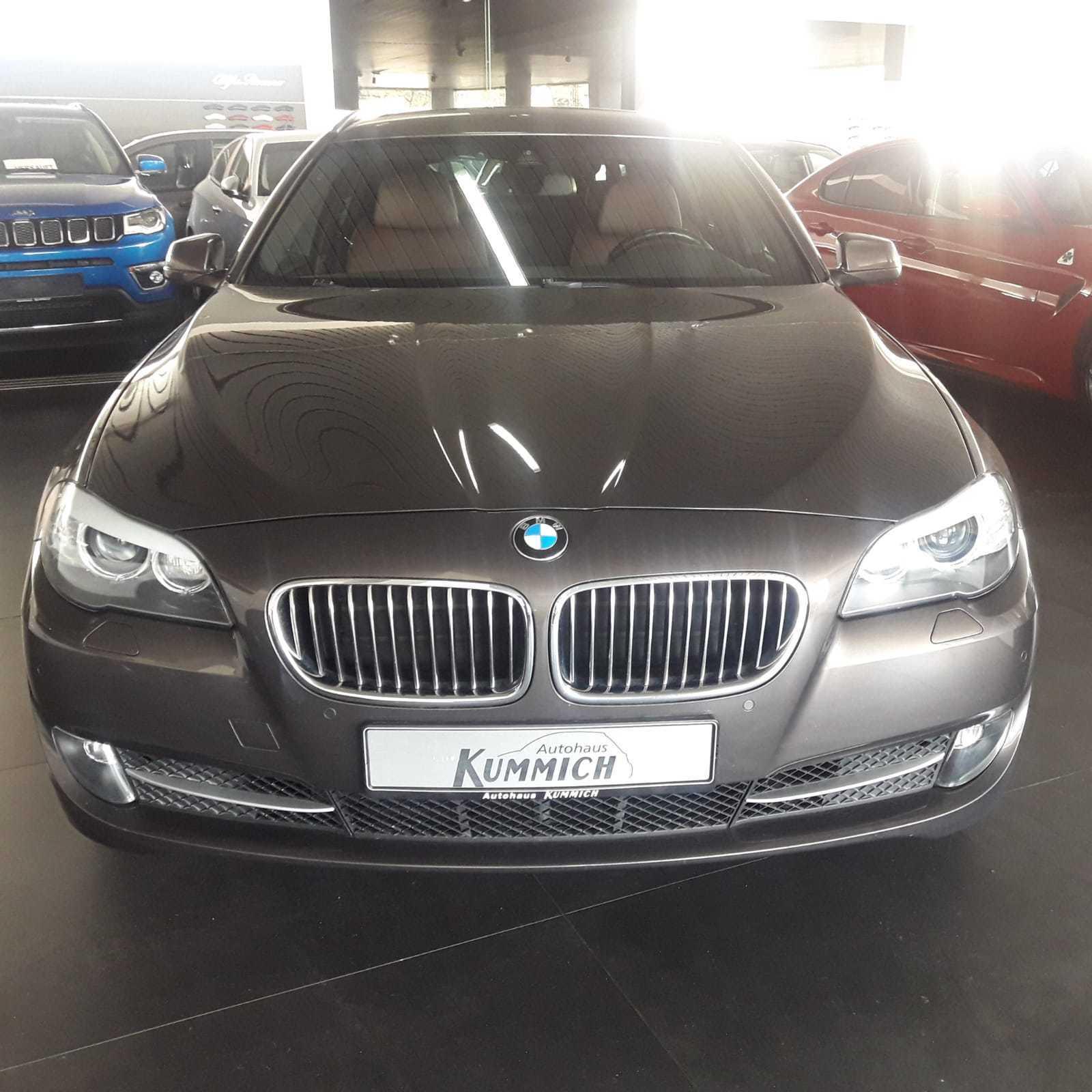 BMW 530 d Touring xDrive Automatik *top Zustand*, Jahr 2012, Diesel