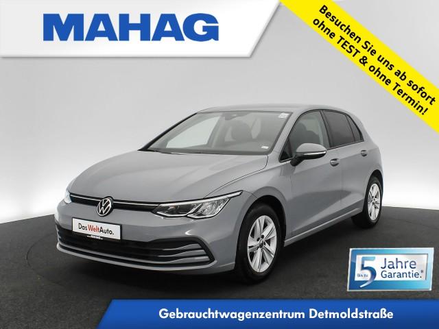 Volkswagen Golf VIII LIFE 1.5 TSI NaviPro LED DigitalCockpit DAB+ Sprachbed. LightAsisst FrontAssist ACC 6-Gang, Jahr 2020, Benzin