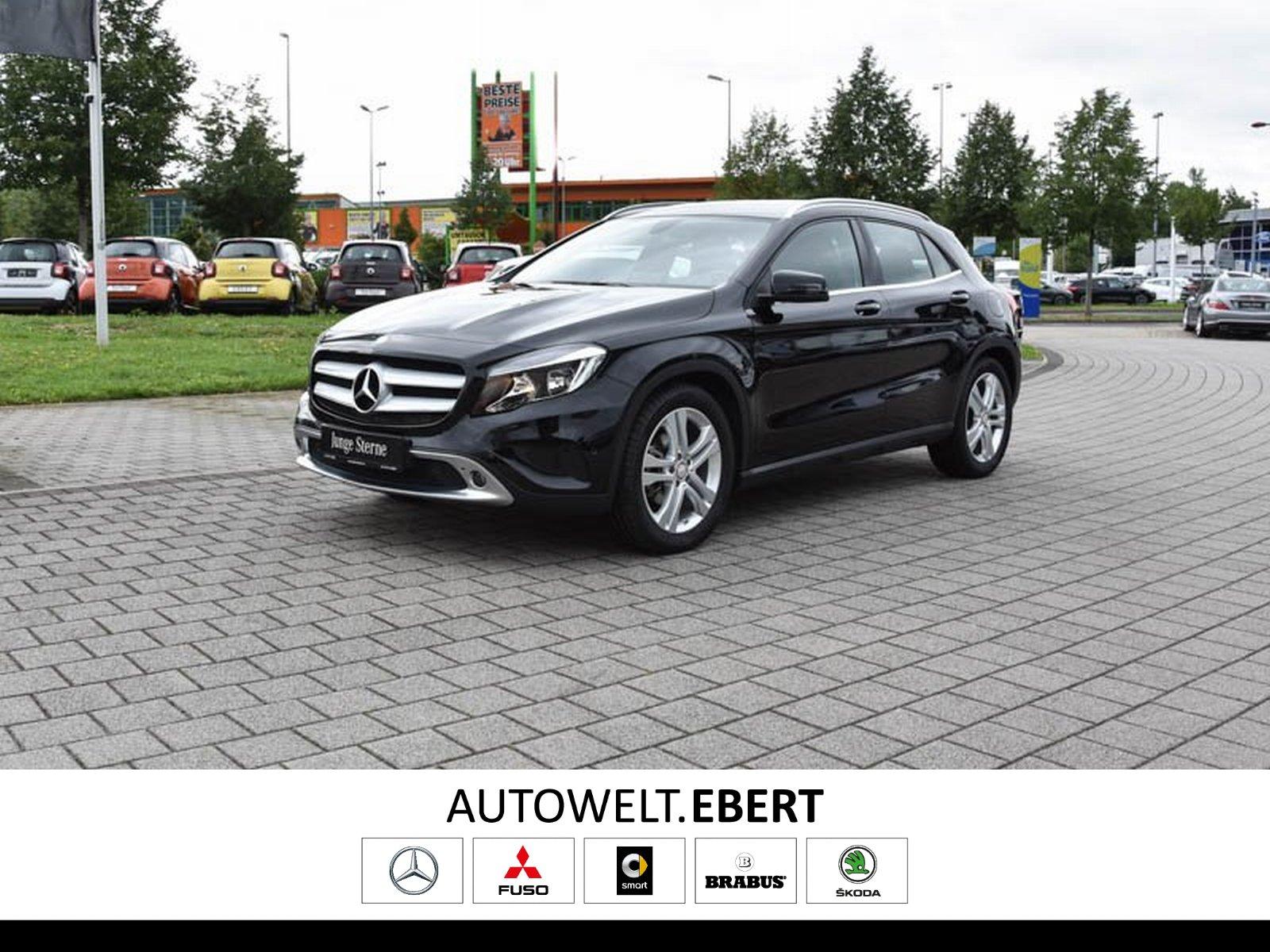Mercedes-Benz GLA 220 d 4M Urban 7G+NAVI+LADERAUM-PAKET+EU6, Jahr 2015, Diesel