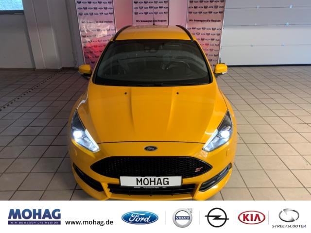 Ford Focus ST Navi Rückfahrkamera Schalter PDC Sitzheizung, Jahr 2017, Diesel