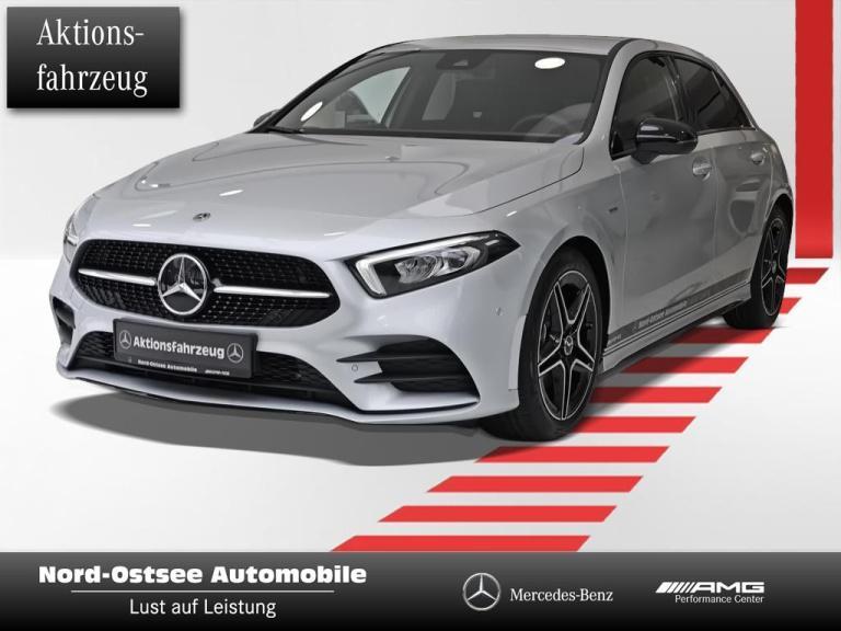 Mercedes-Benz A 200 d AMG NIGHT LED AMBIENTE TOTWINKEL MBUX, Jahr 2020, Diesel