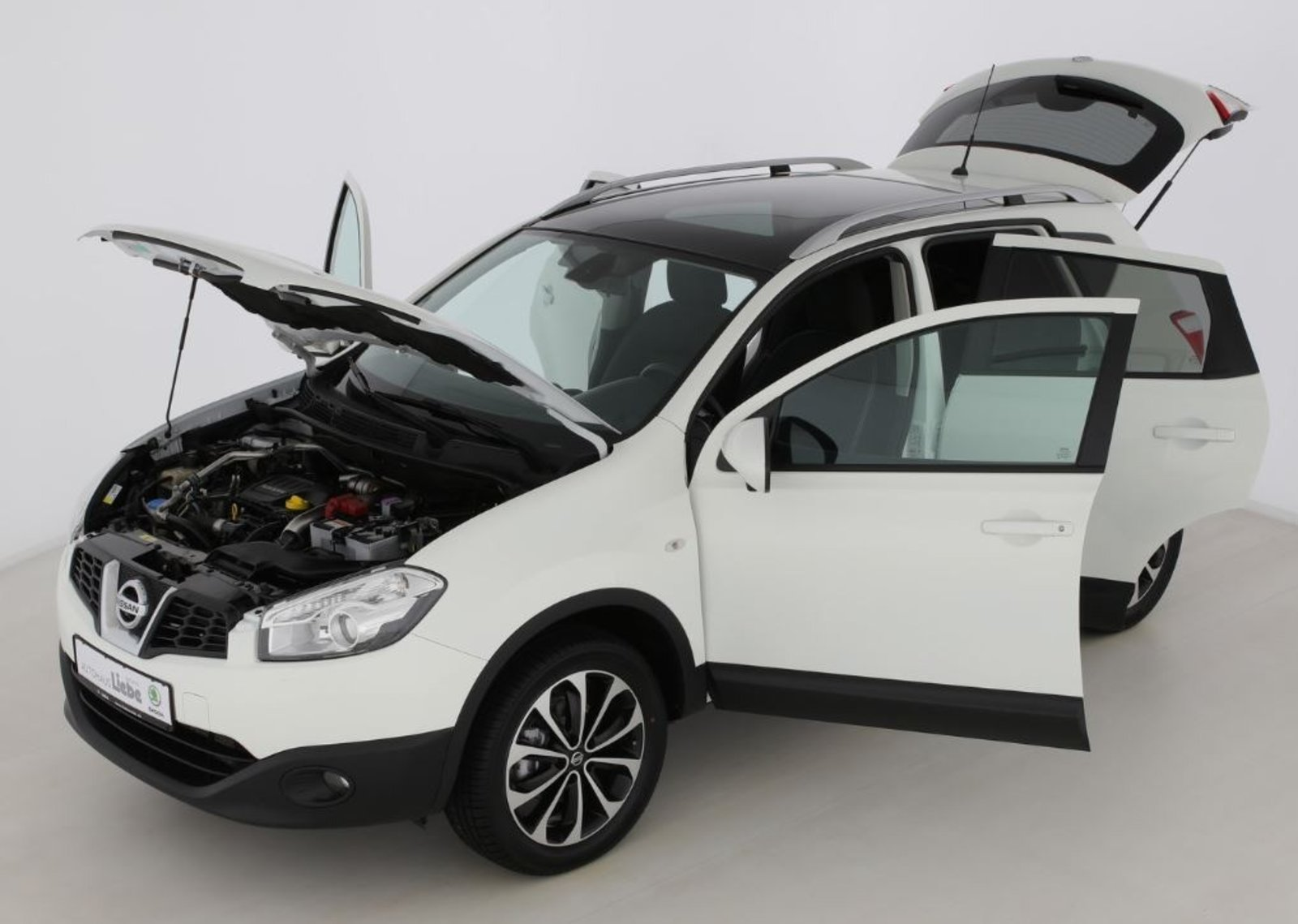 Nissan QASHQAI I-WAY 4X4 AREAVIEW|NAVI|TEMPOMAT|FREISPRECH, Jahr 2012, diesel