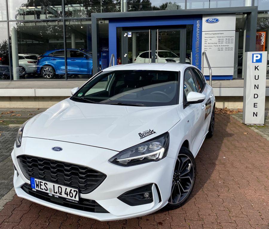 Ford Focus ST-Line Automatik NAVI LED B&O KAMERA ACC, Jahr 2020, Benzin