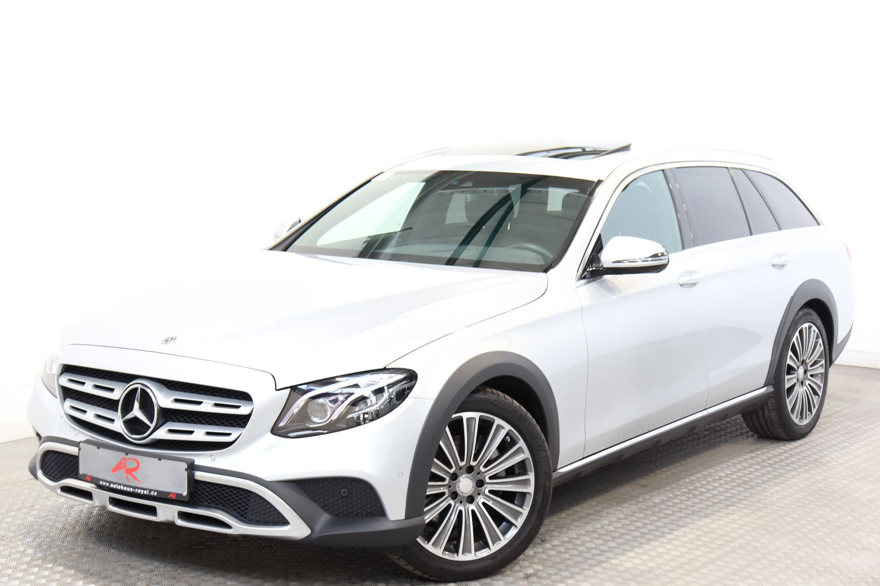 Mercedes-Benz E 220 d T 4M All-Terrain AIRMATIC,WIDESCREEN,AHK, Jahr 2017, Diesel