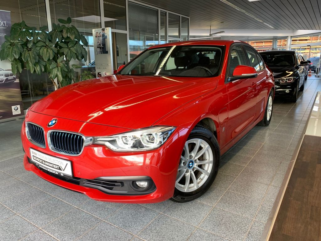 BMW 330e iPerformance Aut. NAVI+LED+TEMP+E-Drive+PDC, Jahr 2017, Hybrid