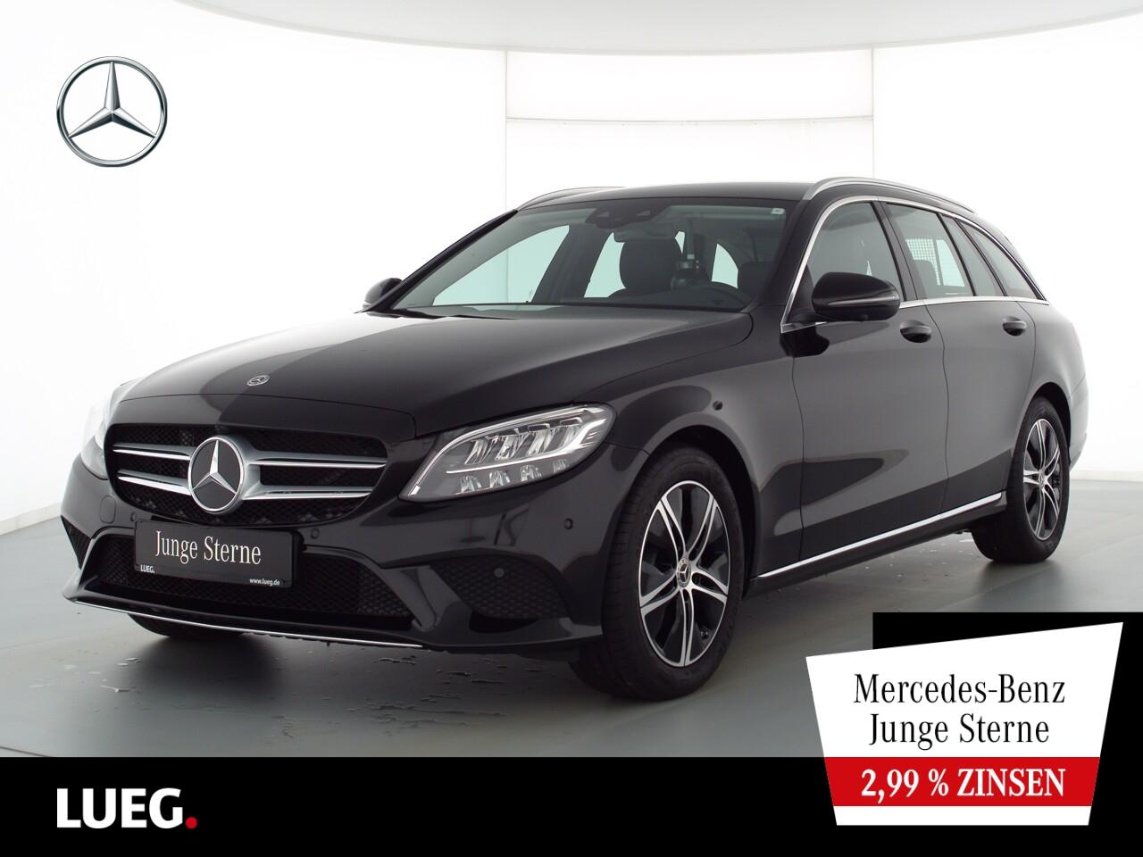 Mercedes-Benz C 180 T Avantgarde+Navi+LED-HP+SpurP+EHeckk+360°, Jahr 2021, Benzin