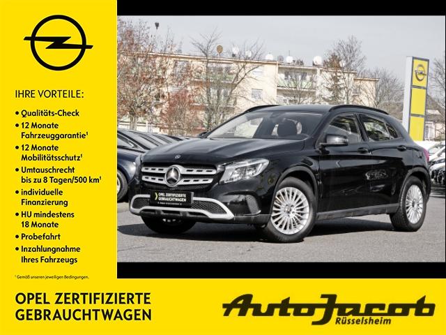 Mercedes-Benz GLA 180 Navi Sitzhzg PDC Rückfahrkamera, Jahr 2018, Benzin