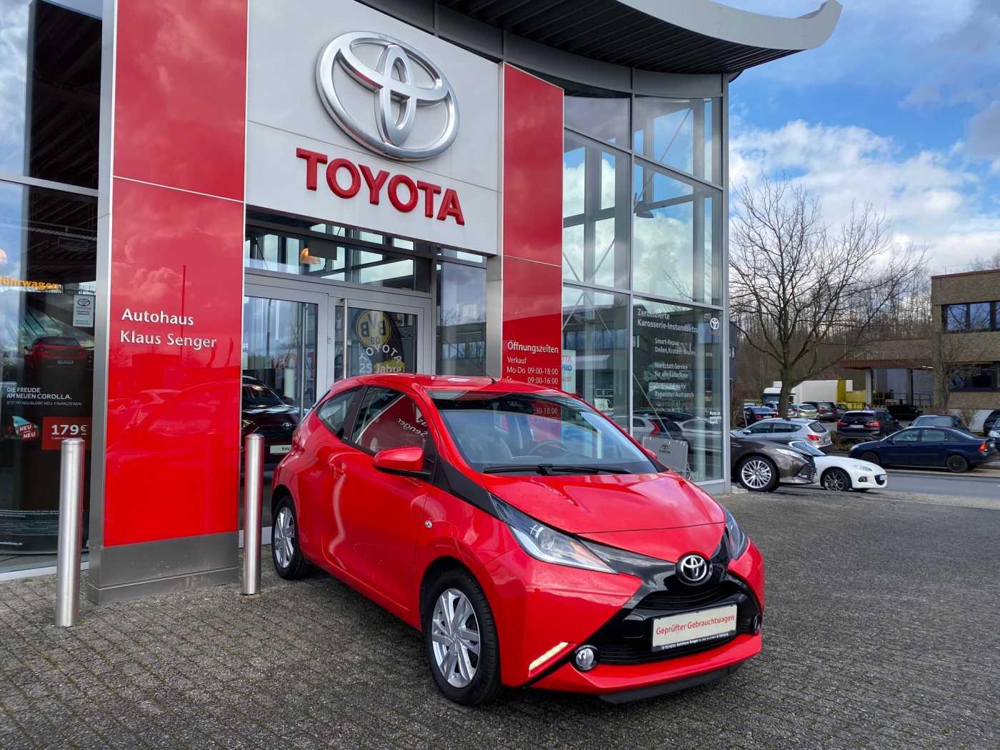 Toyota Aygo x-play Edition-S, Jahr 2016, Benzin
