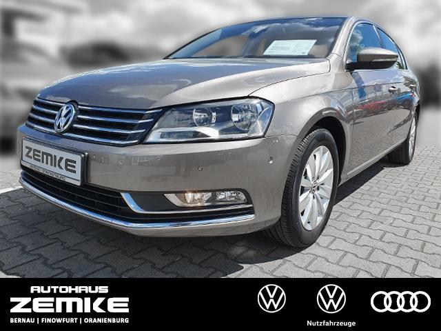 Volkswagen Passat 1.4 TSI BlueMotion Comfortline+Navi uvm., Jahr 2013, Benzin