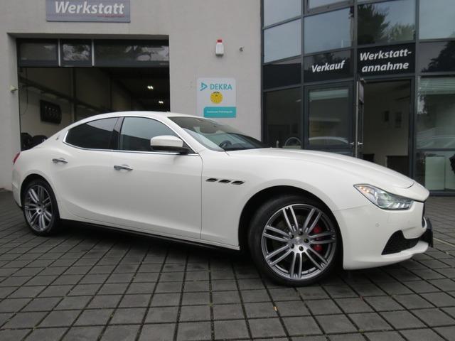 Maserati Ghibli 3,0V6 SQ4 410PS GSD/KAMERA/20ZOLL, Jahr 2017, Benzin