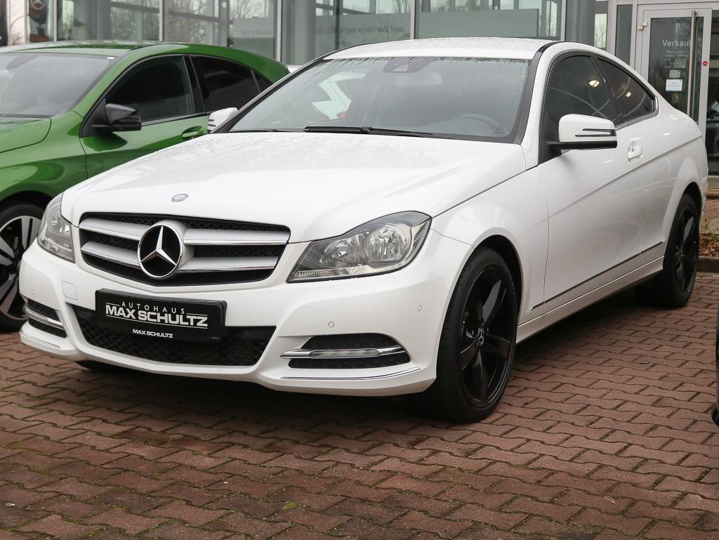 Mercedes-Benz C 180 BlueEFFICIENCY Coupé Comand, Jahr 2012, petrol