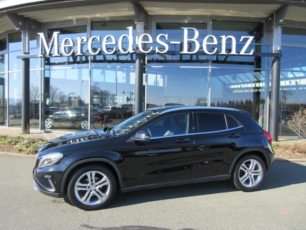 Mercedes-Benz GLA 200 URBAN/XENON/PTS/NAVI/SITZHEIZUNG, Jahr 2014, Benzin
