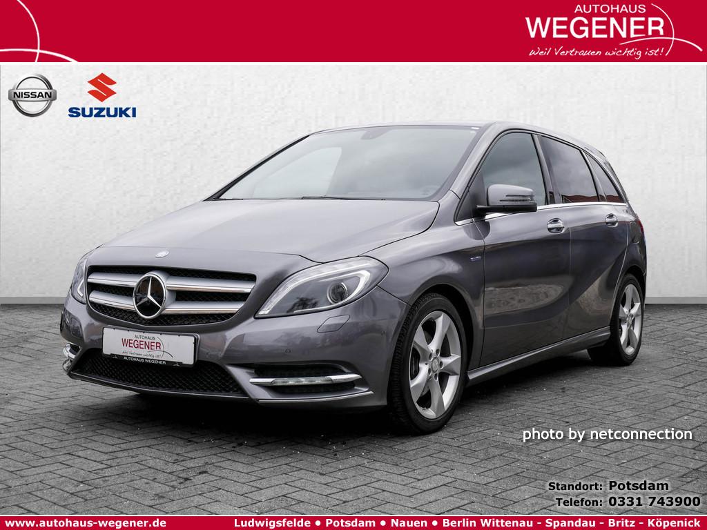 Mercedes-Benz B 180 Sports Tourer Blue Efficiency, Jahr 2014, Benzin