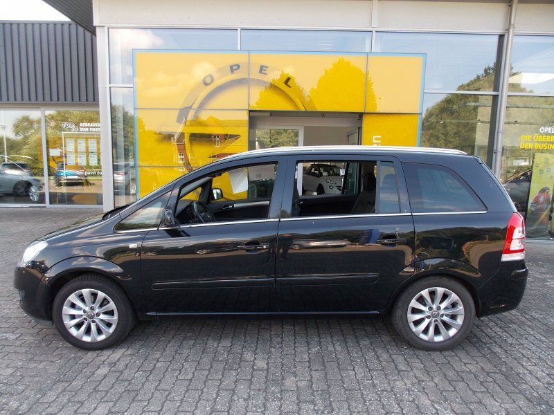 Opel Zafira 1.8 Family Plus, Jahr 2013, Benzin