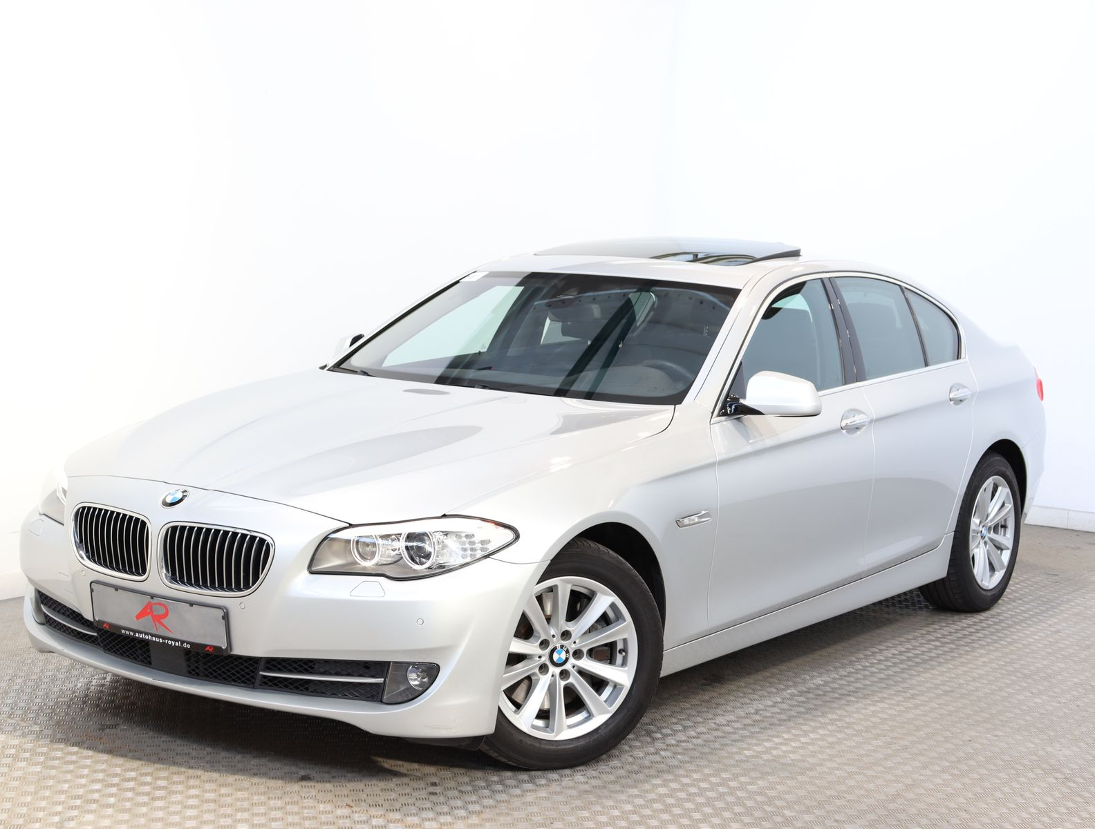 BMW 535 d xDrive ADAPTIVE DRIVE,SOFTCLOSE,MEMORY,ACC, Jahr 2013, Diesel