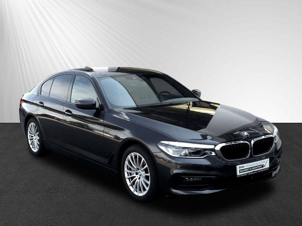 BMW 540i xDrive Komforts.+Lüft. AHK GSD DA+ HUD, Jahr 2018, petrol