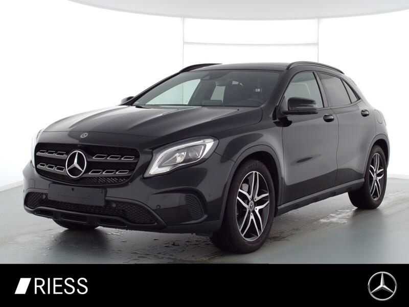 Mercedes-Benz GLA 250 Urban+Night+Kamera+Pano+Navi+LED+PTS+SH, Jahr 2019, Benzin